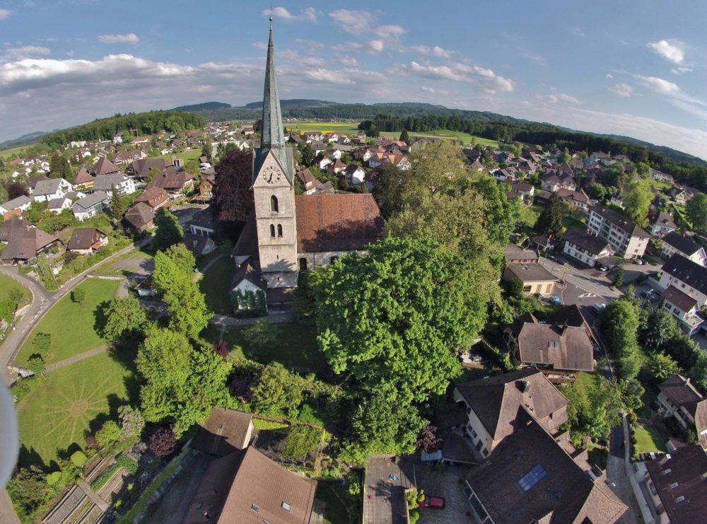 Kirche und Umgebung