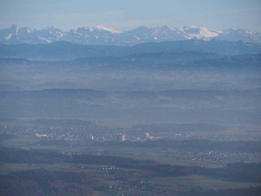 Herzogenbuchsee vor den Bergen