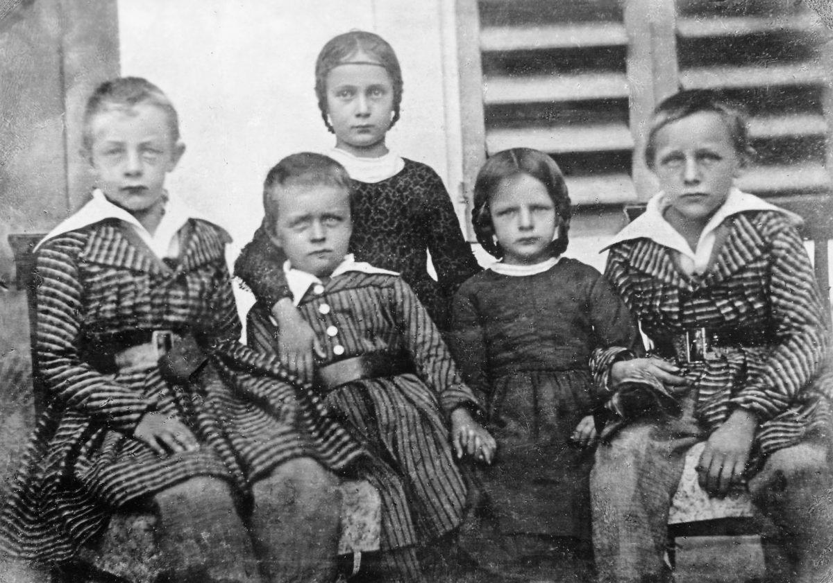 Moserkinder Emil, Robert, Amelie, Luise und Karl ca. 1847